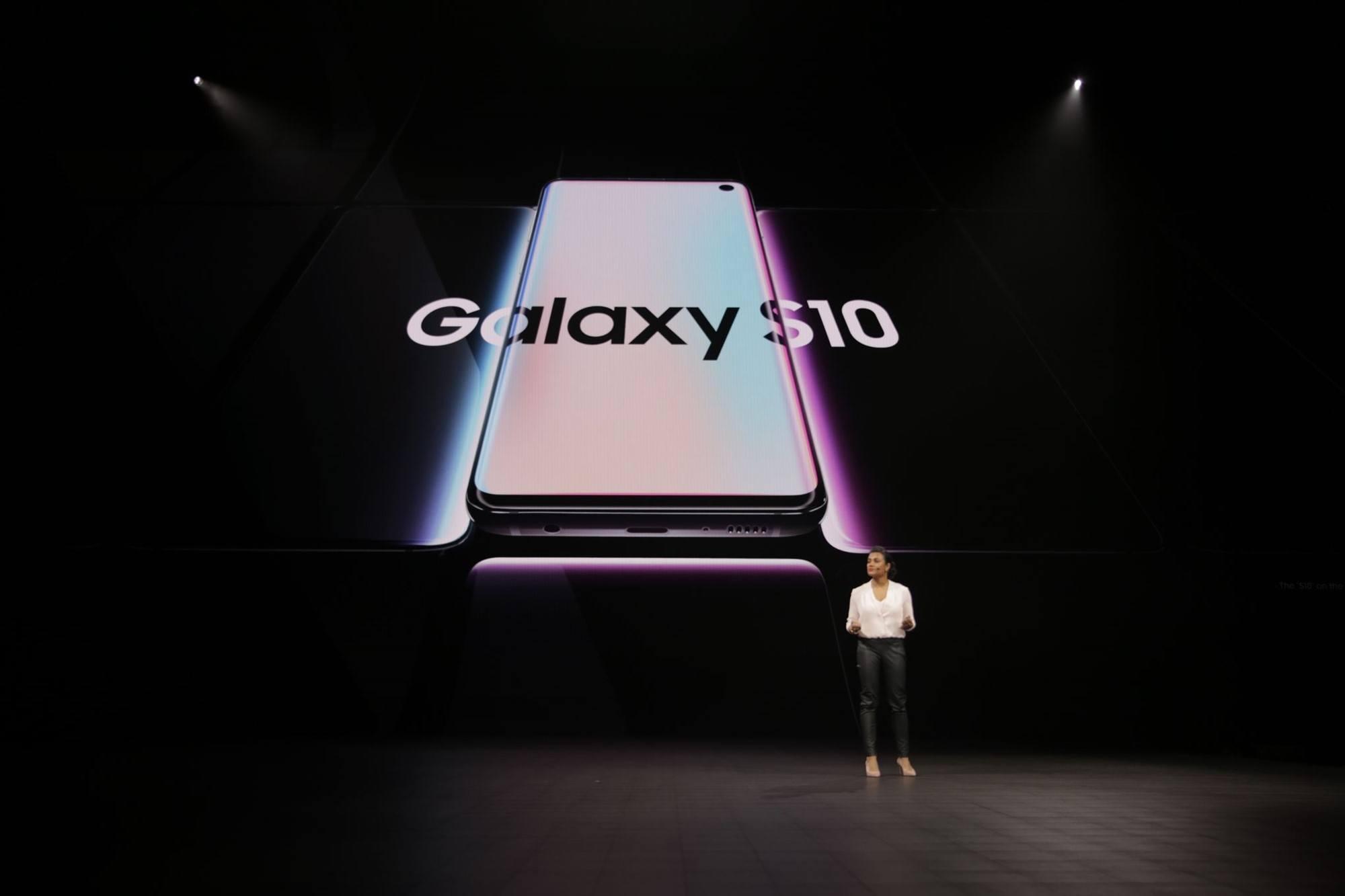 Гнущиеся экраны и ультразвуковые сканеры: чем удивляла презентация Samsung Galaxy S10 от 20 февраля 2019 года